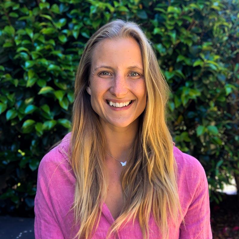 Rebecca Klewstigh - Zuna Yoga Staff
